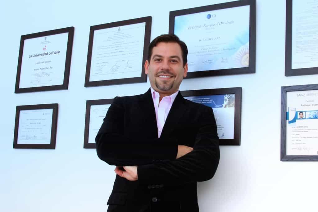 Doctor Andrés Díaz Paz doctor andrés díaz paz cirujano plástico cali colombia - andres dilpomas - Quien Soy