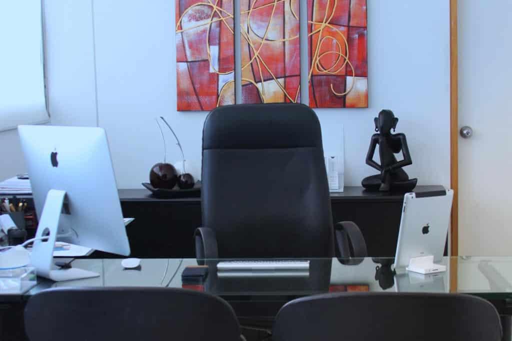 doctor andrés díaz paz cirujano plástico cali colombia - escritorio - Quien Soy